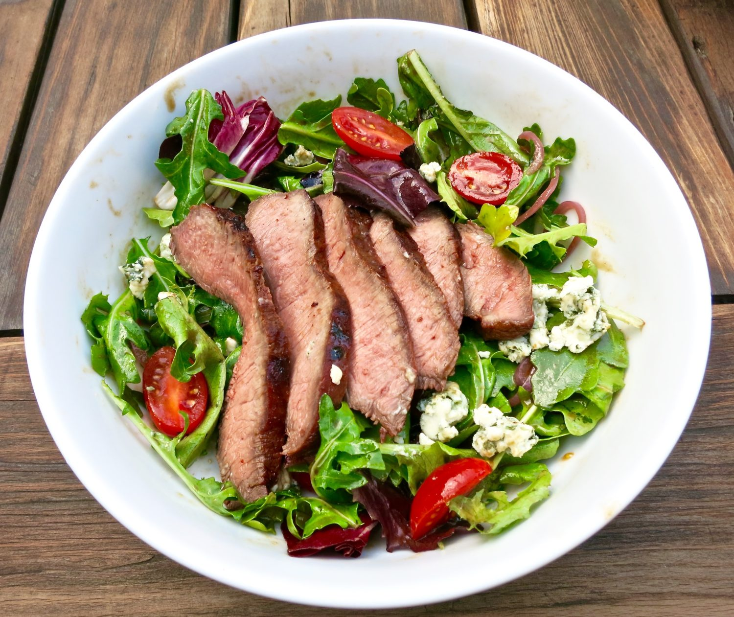 Grilled Steak Salad with Blue Cheese and Cherry Tomatoes