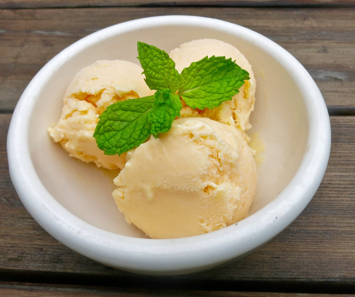 ice cream with mint leaves